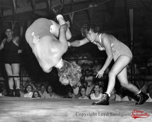 Women's wrestling from the late 1940′s or early 1950′s ...