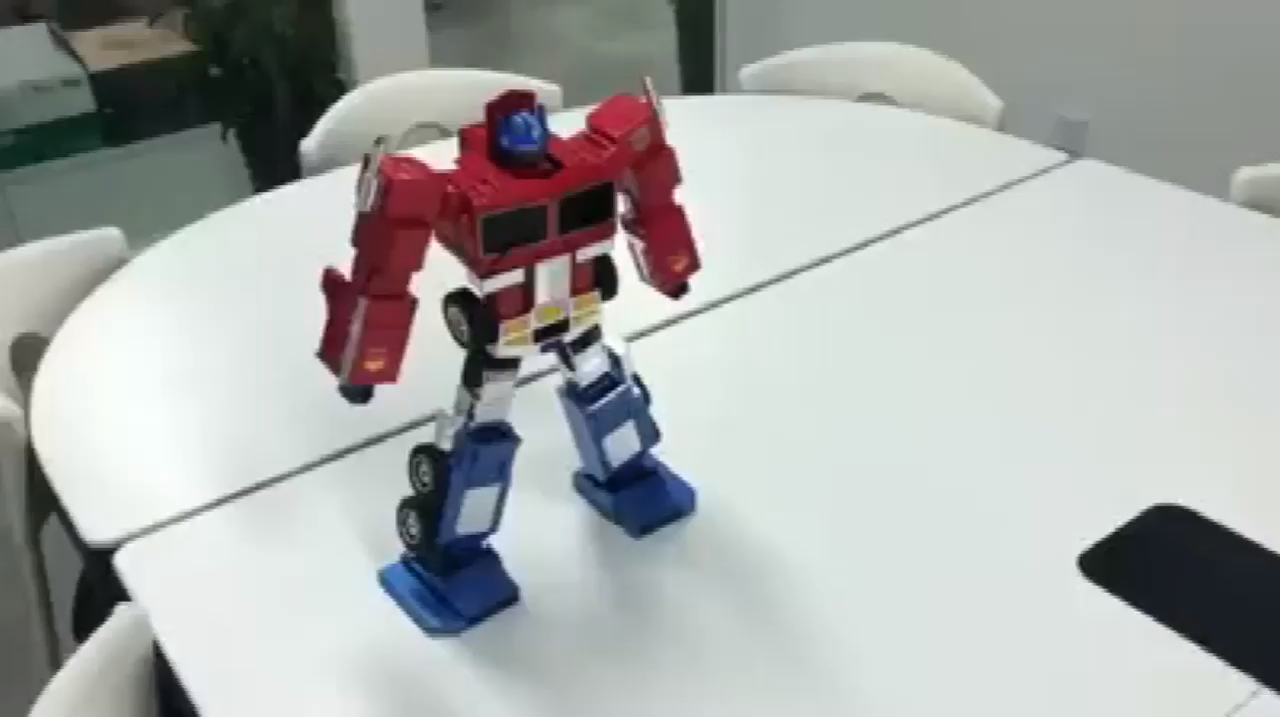 """TRANSFORMERS - OPTIMUS PRIME AUTOMORPH REMOTE CONTROL MODEL """"The victorious will always be worshipped, while the defeated will fall""""  After two years"""