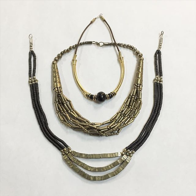 Gold and black jewels - VAUXSHOP.COM
