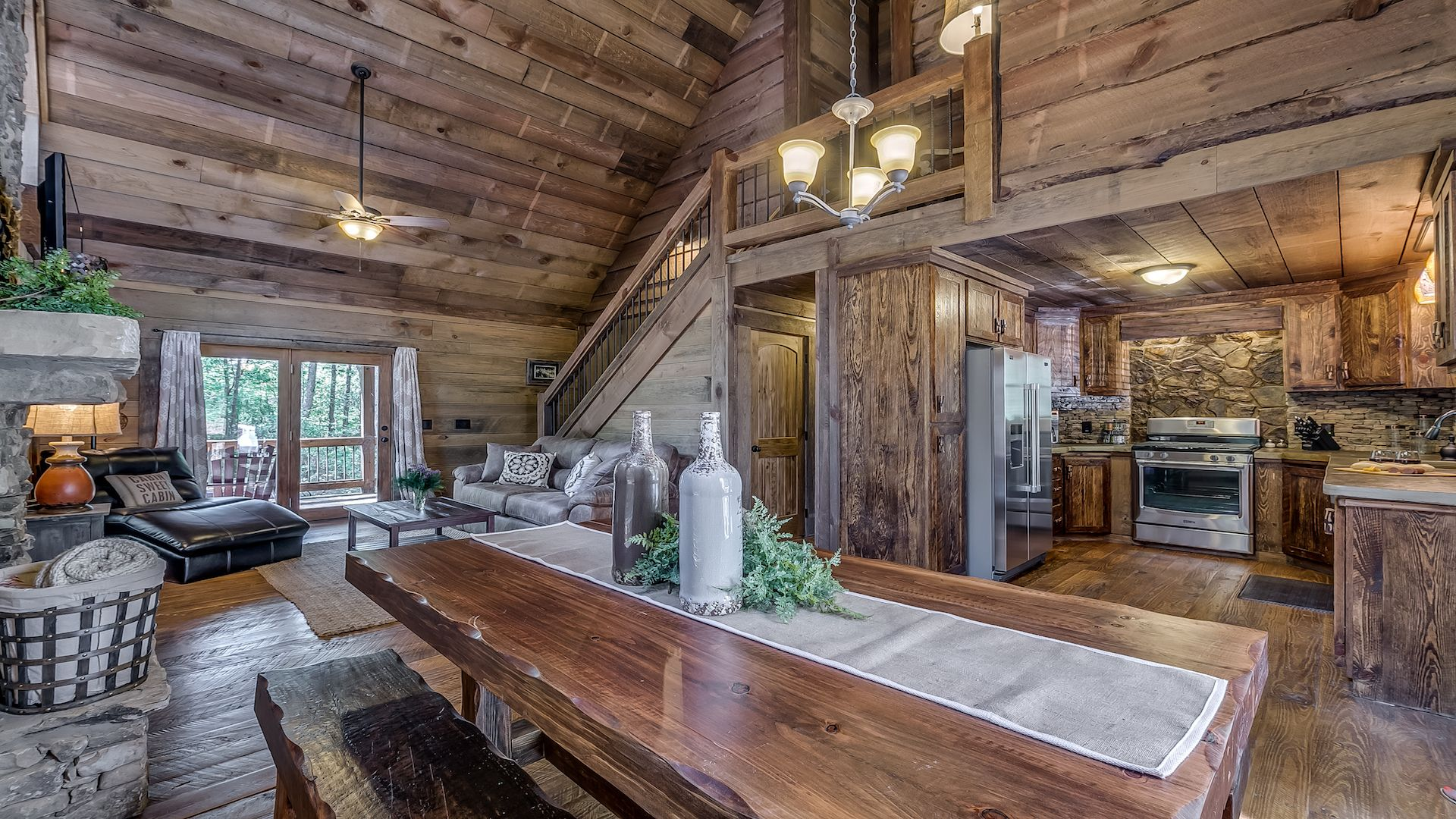 REFINED RUSTIC $160 ~ North Georgia Mountain Cabin Rentals