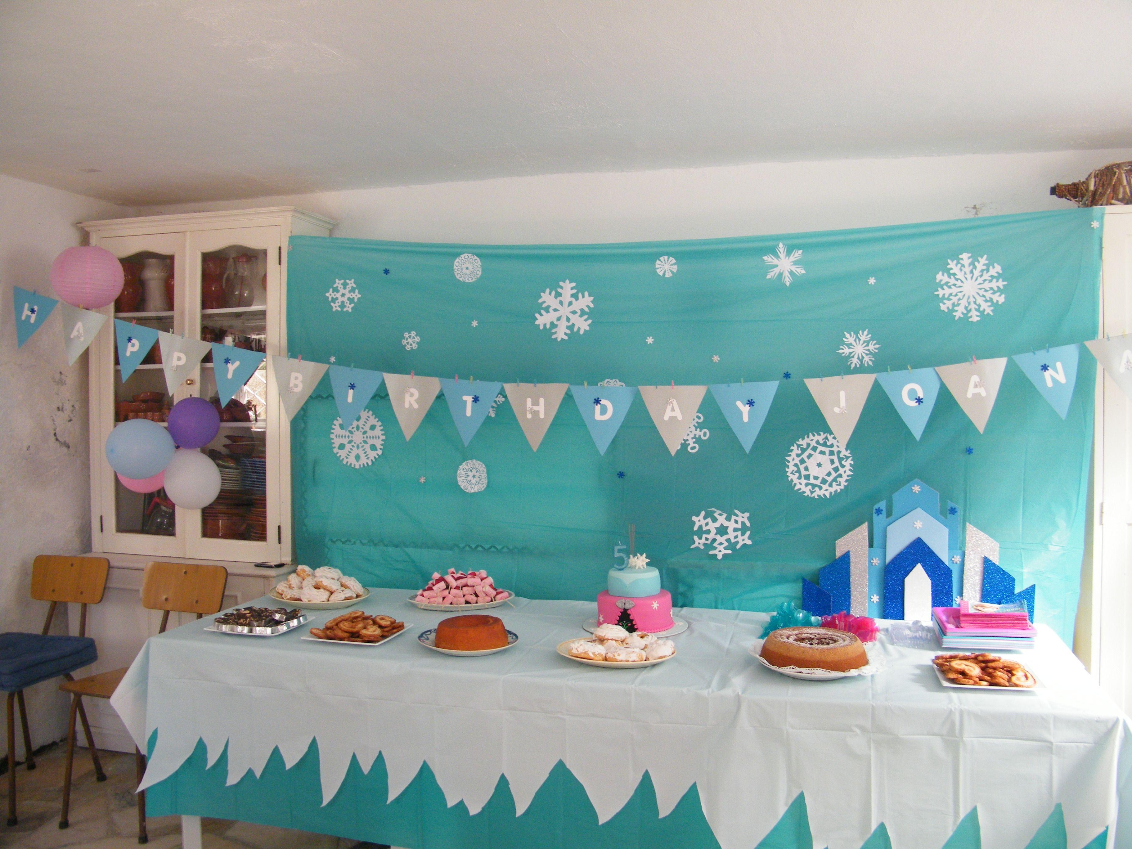 My Daughter S 5th Birthday Party Frozen Winter Wonderland Birthday Party Winter Birthday Parties Frozen 3rd Birthday