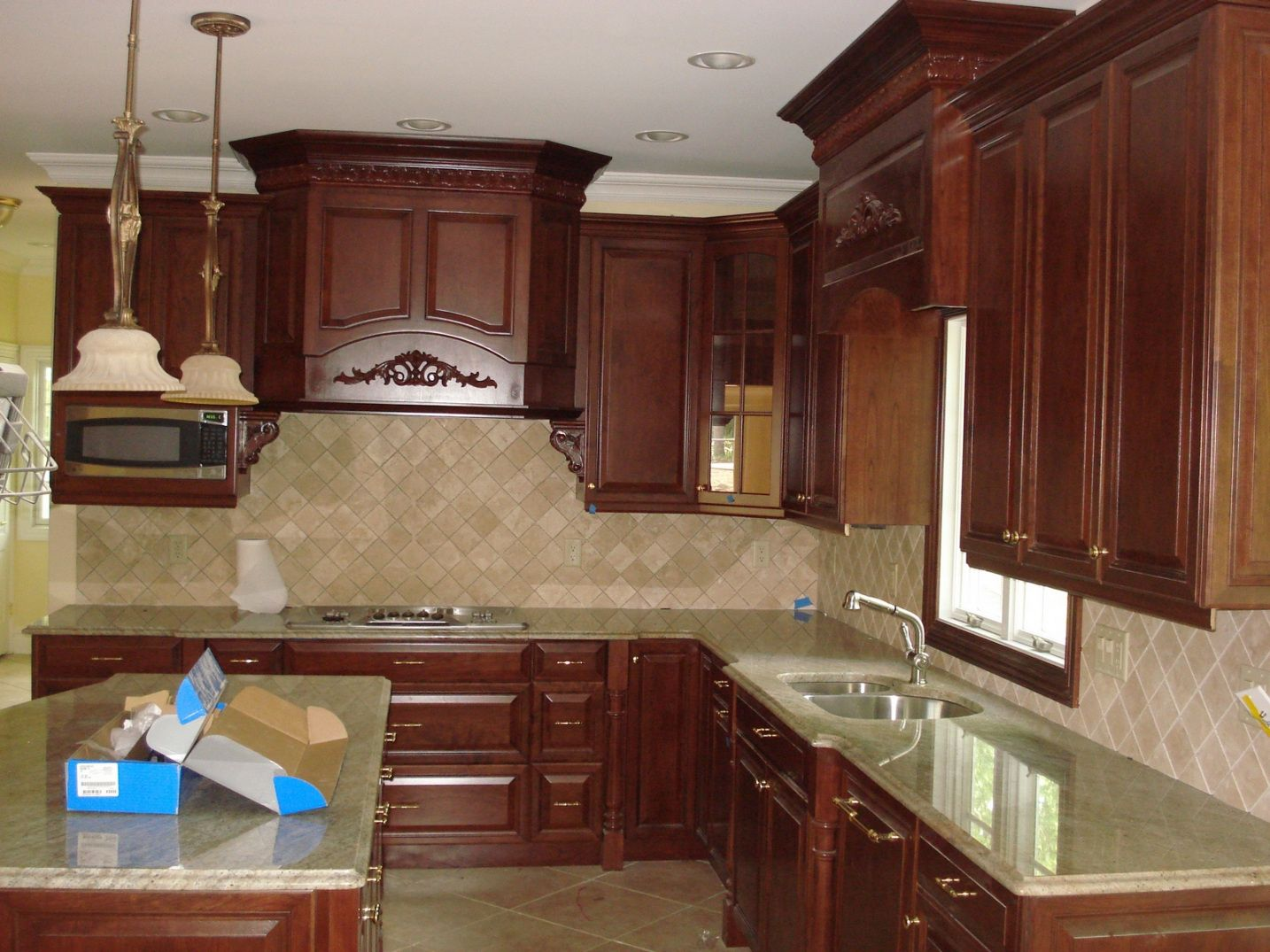 77+ Lowes Kitchen Cabinets Molding - Cheap Kitchen Decorating Ideas ...