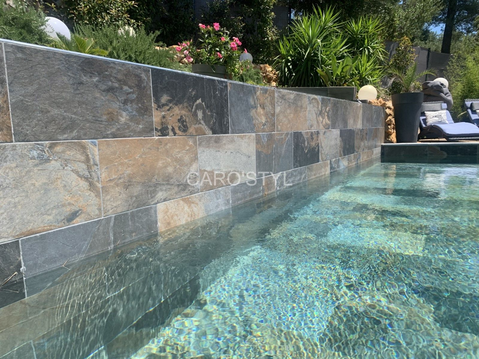 Epingle Sur Piscines En Carrelage Green Bali