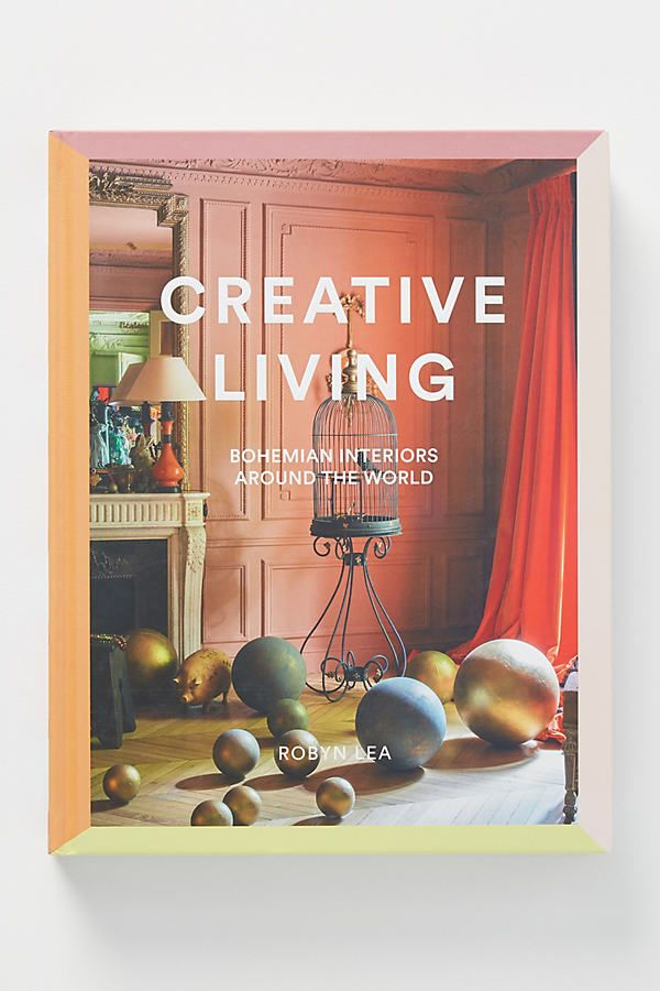 Showcasing the homes of international style icons and tastemakers around the world, this book delves into creative, offbeat interiors and artistic delights.