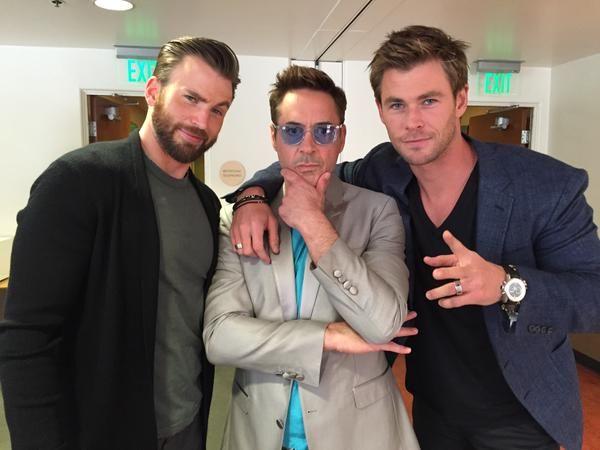 "Chris Hemsworth on Twitter: "".@Avengers #PressTour with these legends: @ChrisEvans @RobertDowneyJr http://t.co/WUaI0fejxw"""