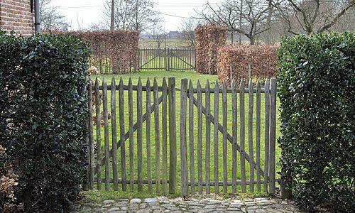 Portails et portillons de jardin : le bois de châtaigner ...