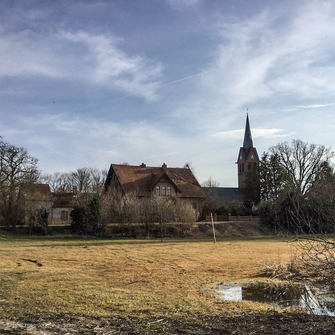 Das idyllische Dorf Lünow am Beetzsee in Brandenburg