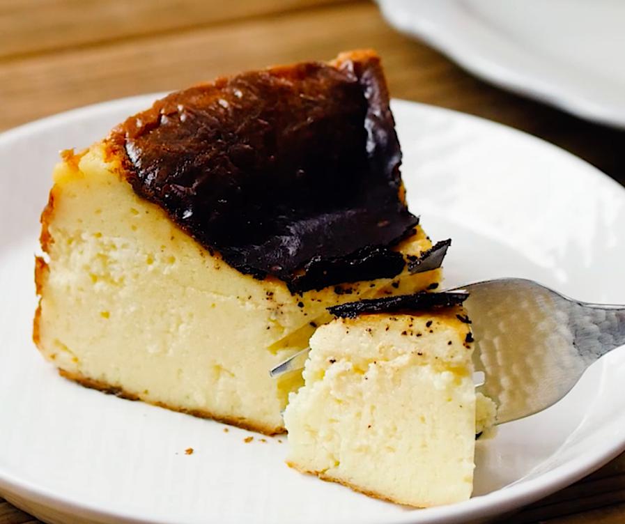 バスクチーズケーキ ってどんなケーキ プロが教えるレシピも必見 macaroni レシピ 料理 レシピ 食品と飲料