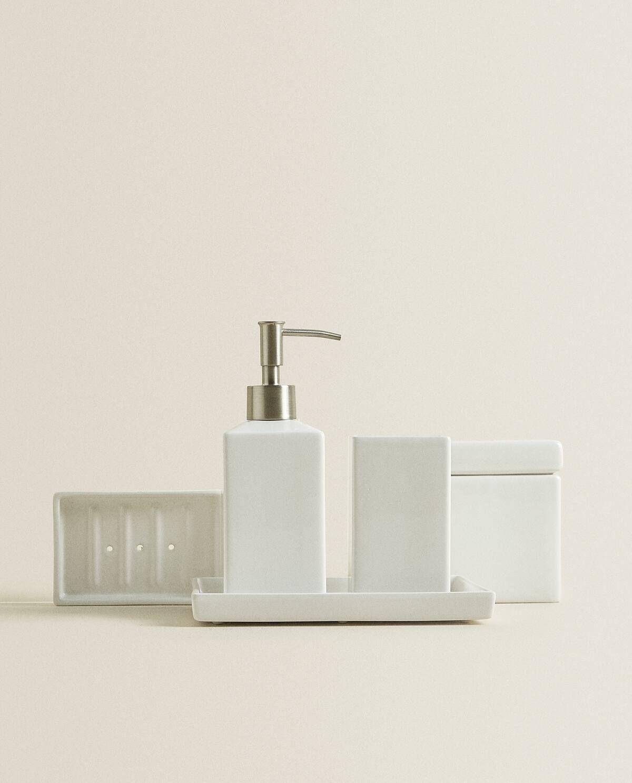 Set Da Bagno In Maiolica Bianca In 2020 Bathroom Sets Bathroom
