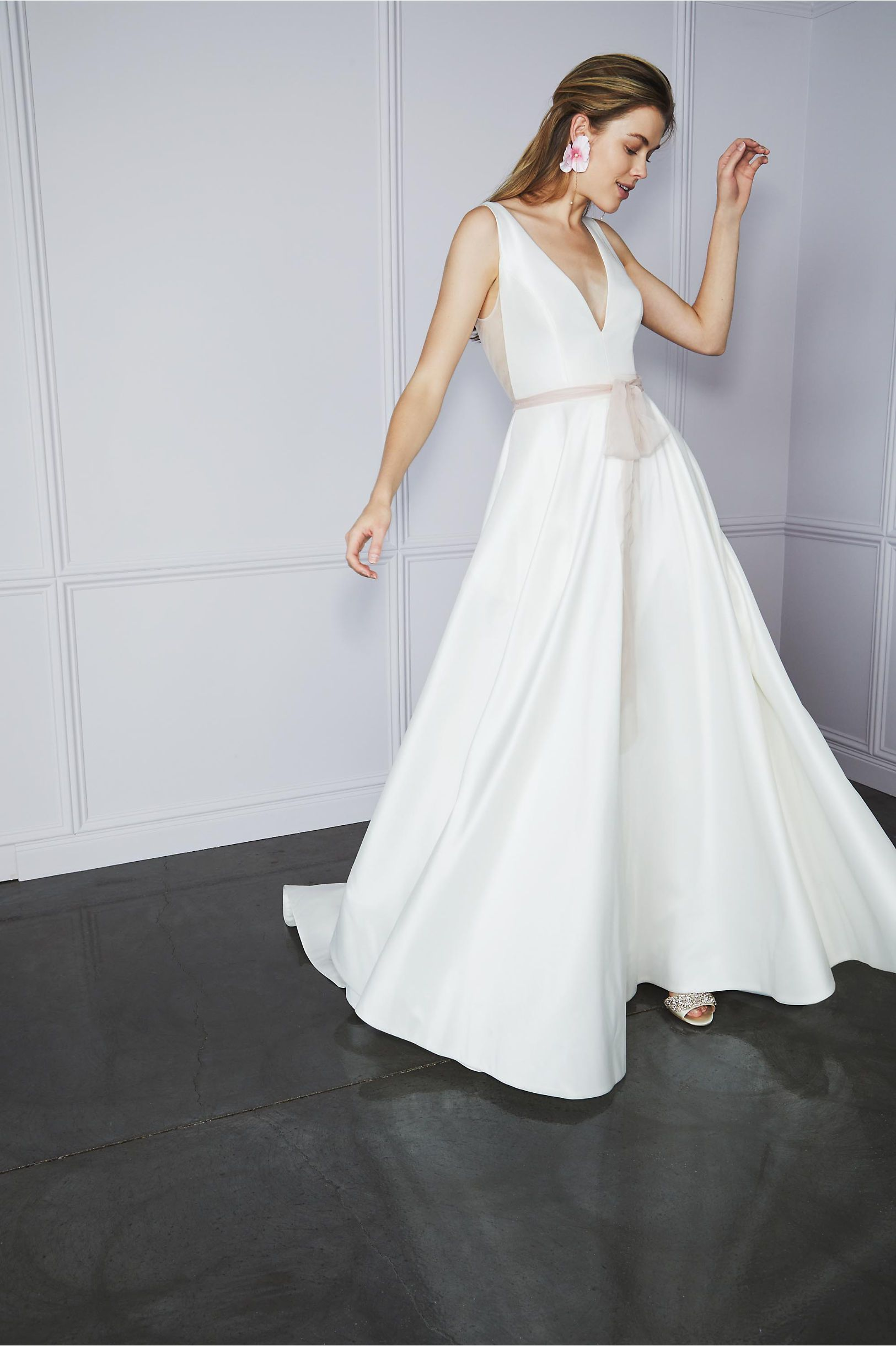 1735aa9b0e0 Octavia Gown Ivory in Bride