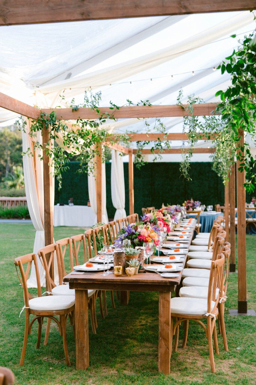 Farm Tables And More Real Weddings Real Weddings Wedding Table Decorations Wedding Arbors