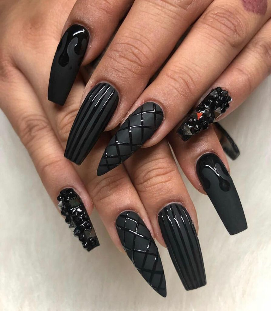 35 Fabulous Black Nail Designs For Ladies Black Nails Are Versatile Striking And Most Of Black Acrylic Nail Designs Black Nail Designs Matte Black Nails