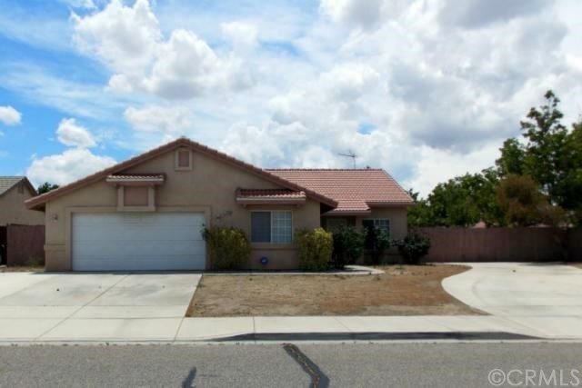 12245 Honeybear Ln Victorville Ca 92392 Mls Pw14181396 Coldwell Banker Victorville Private Viewing Jacuzzi Tub