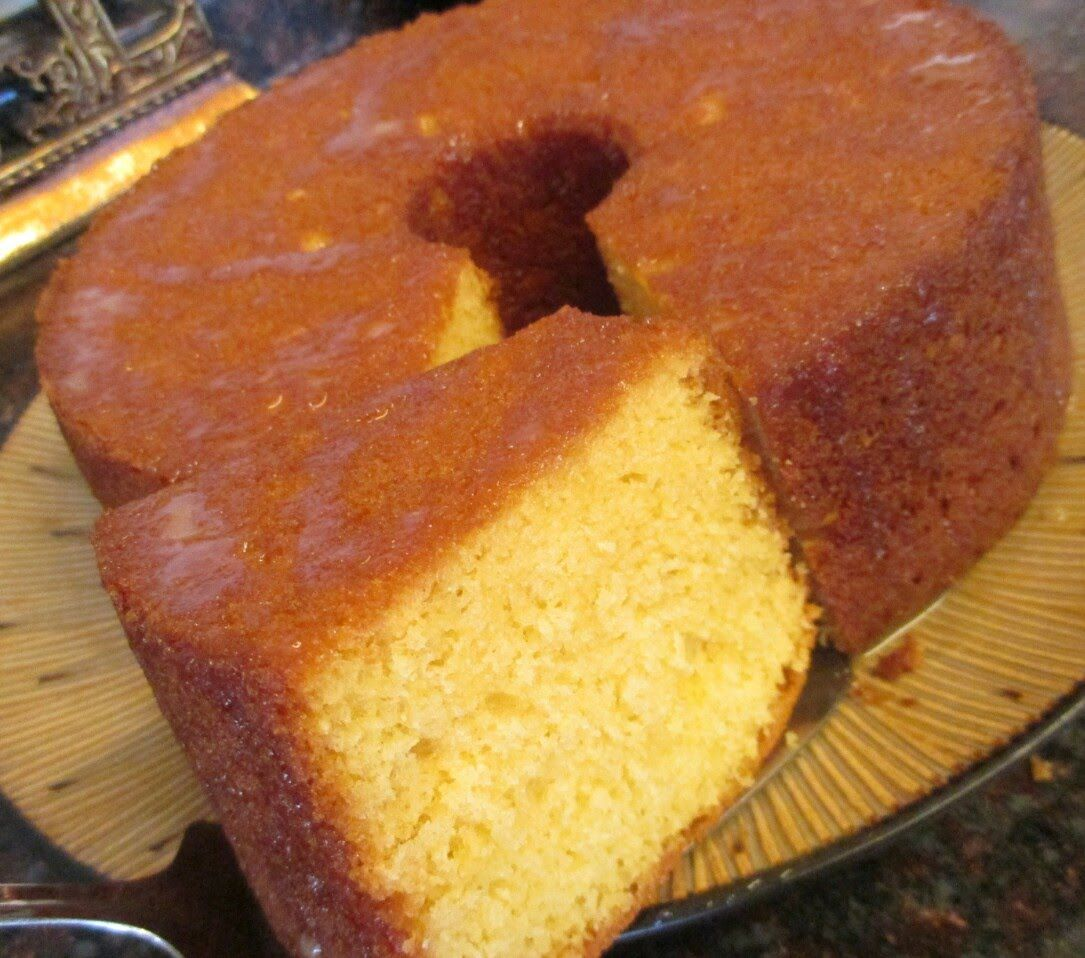EASY 7-Up Pound Cake Recipe
