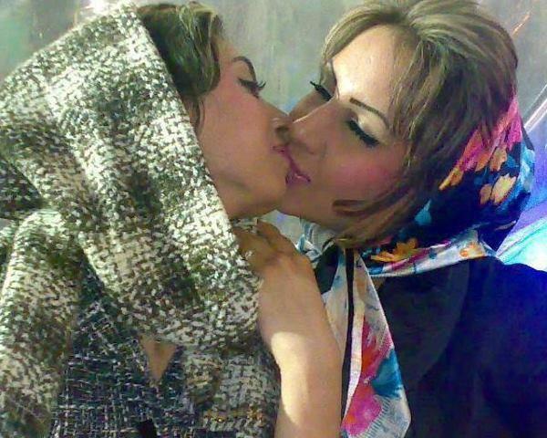 delise milani lesbian