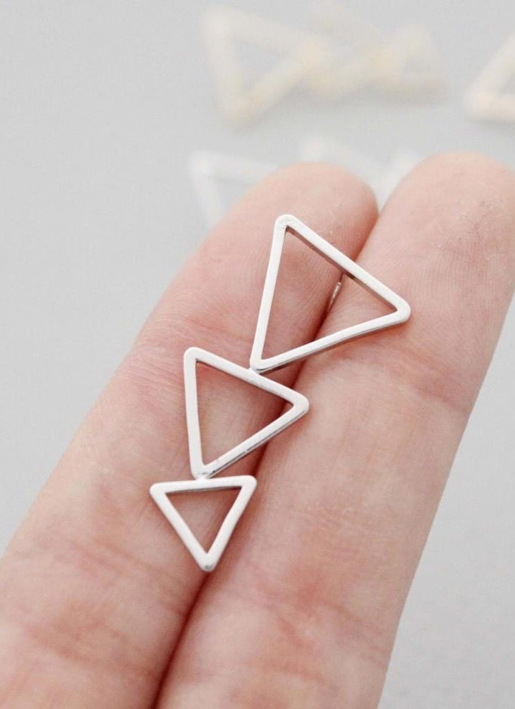 Geometric triangle in line earrings - Earcuff