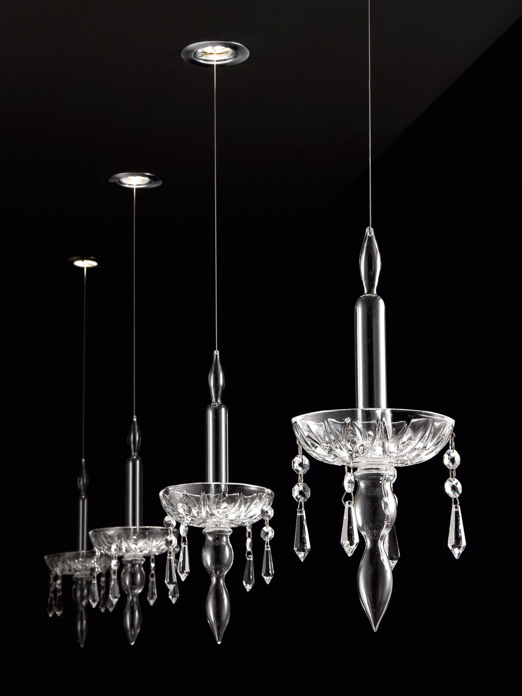 Limelight design by lorenzo bertocco deconstructed chandelier in limelight design by lorenzo bertocco deconstructed chandelier in crystal glass light4 design arubaitofo Images