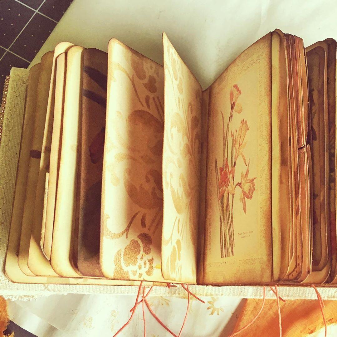 Artistbooks Ideas: Tiny Vintage-style Artist Book By CatherineMommsenScott