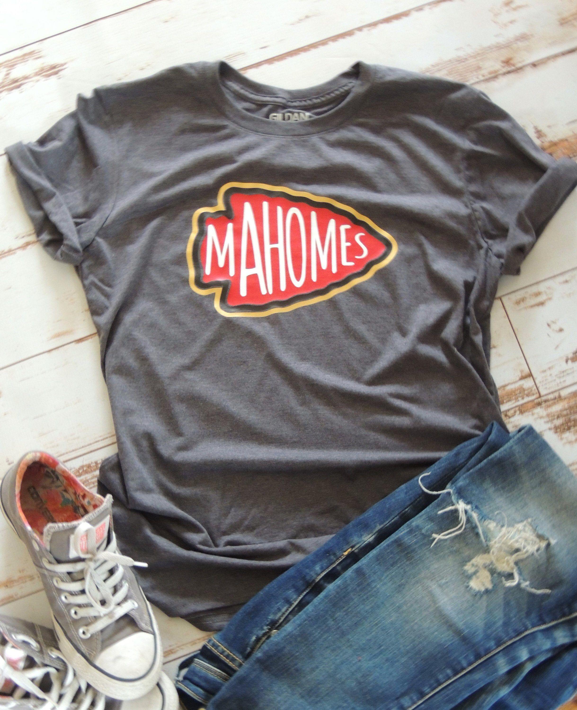 Mohomes 15 Chiefts Shirt Kansas City Chiefs Arrowhead Chiefs Football Womens's Chiefs Shirt