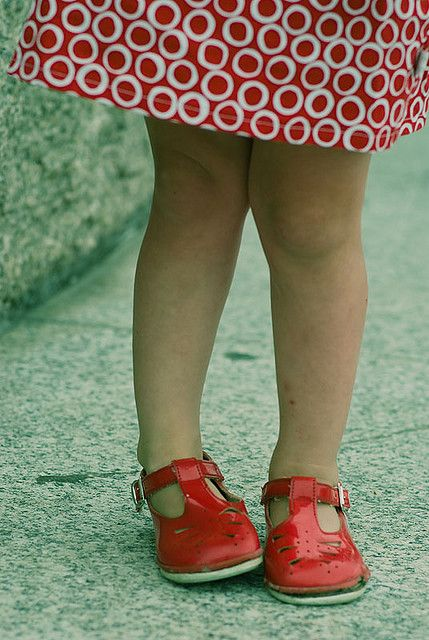 little girls red shoes