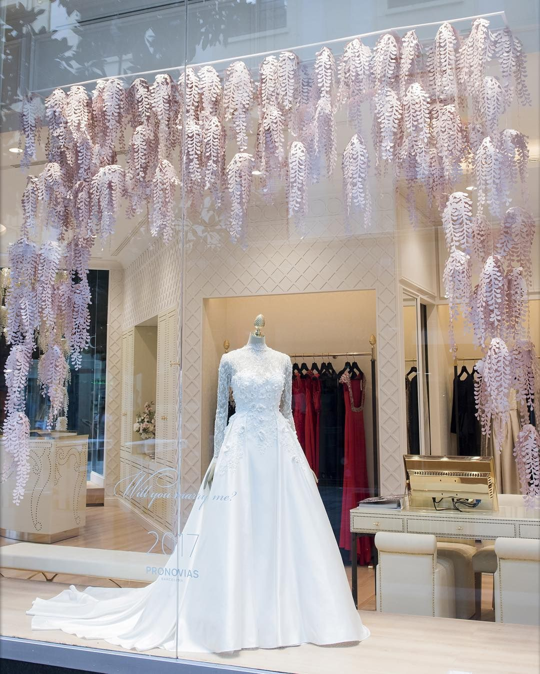 Unique Mannequin Finds For 40 Off Today Get Yours Now And Make Your Window Display Stand Out Https Manne Bridal Shop Ideas Bridal Boutique Interior Bridal