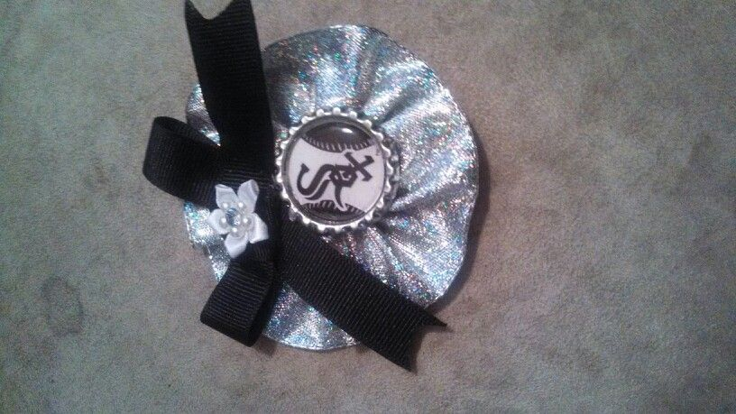 White Sox baseball hair bow  check out just another hobie on Facebook