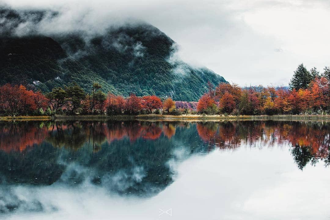 """Lugares Bonitos de Chile on Instagram: """"Fotografía � @mlphoto_cl • • • • • • Bienvenido otoño �. Valle del Río Murta. Carretera Austral, entre Villa Cerro Castillo y Puerto Río…"""""""