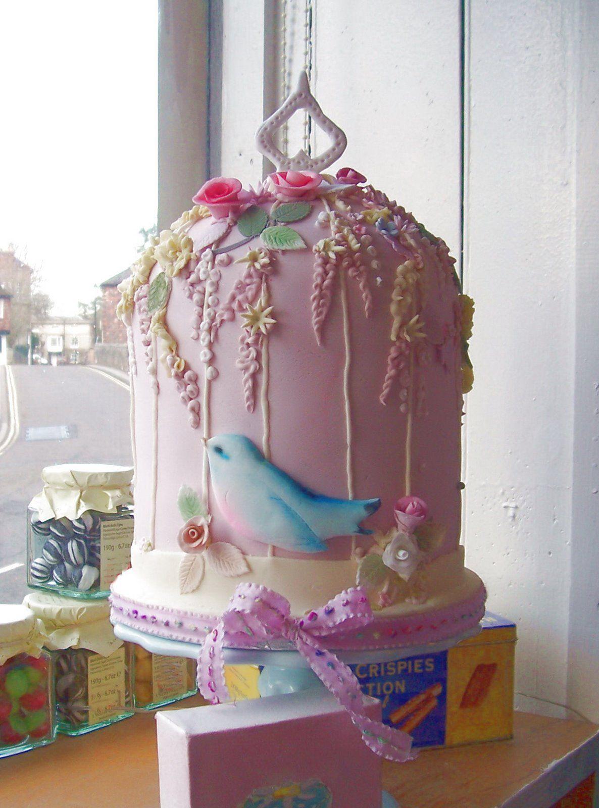 pinky bird cage cakes