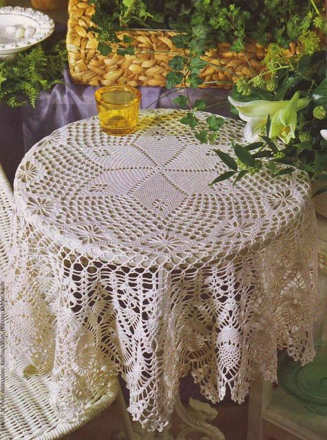 This beautiful crochet Table-Topper has a free pattern ...