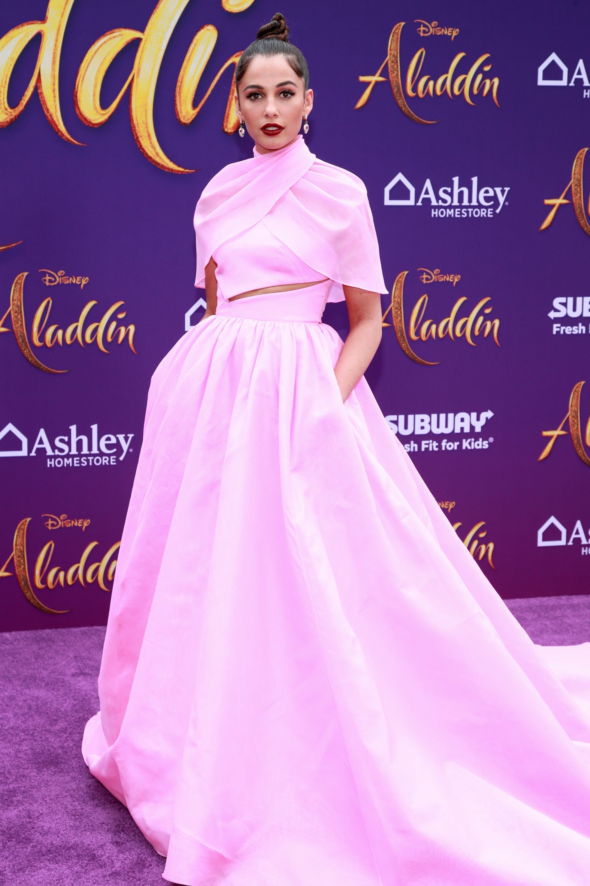 Naomi Scott looks stunning on the red carpet at the 'Aladdin' premiere. The movie stars Will Smith, Mena Massoud and Naomi Scott. It is another Disney Live-Action hit. Photo Credits: Getty Images #actionmovie