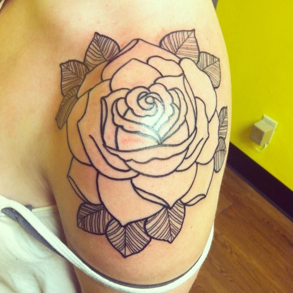 Tattoo Drawn Freehand By Charlie Hans X Charles At Crown And Anchor In Lafayette Louisiana He Rose Shoulder Tattoo Flower Tattoo Shoulder Shoulder Tattoo