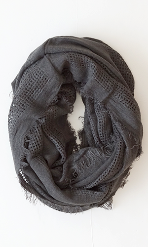 (http://www.shopconversationpieces.com/cozy-up-infinity-scarf-soft-charcoal/)