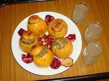 News.Az - Heyva dolmasi - Stuffed quince