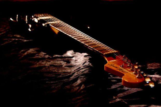 Cara Belajar Gitar Akustik untuk Pemula serta Gambar ...