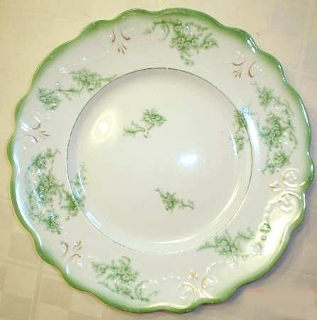 Lincoln-Green by Grindley Description: GREEN EDGE & FLOWERS, GOLD ACCENTS