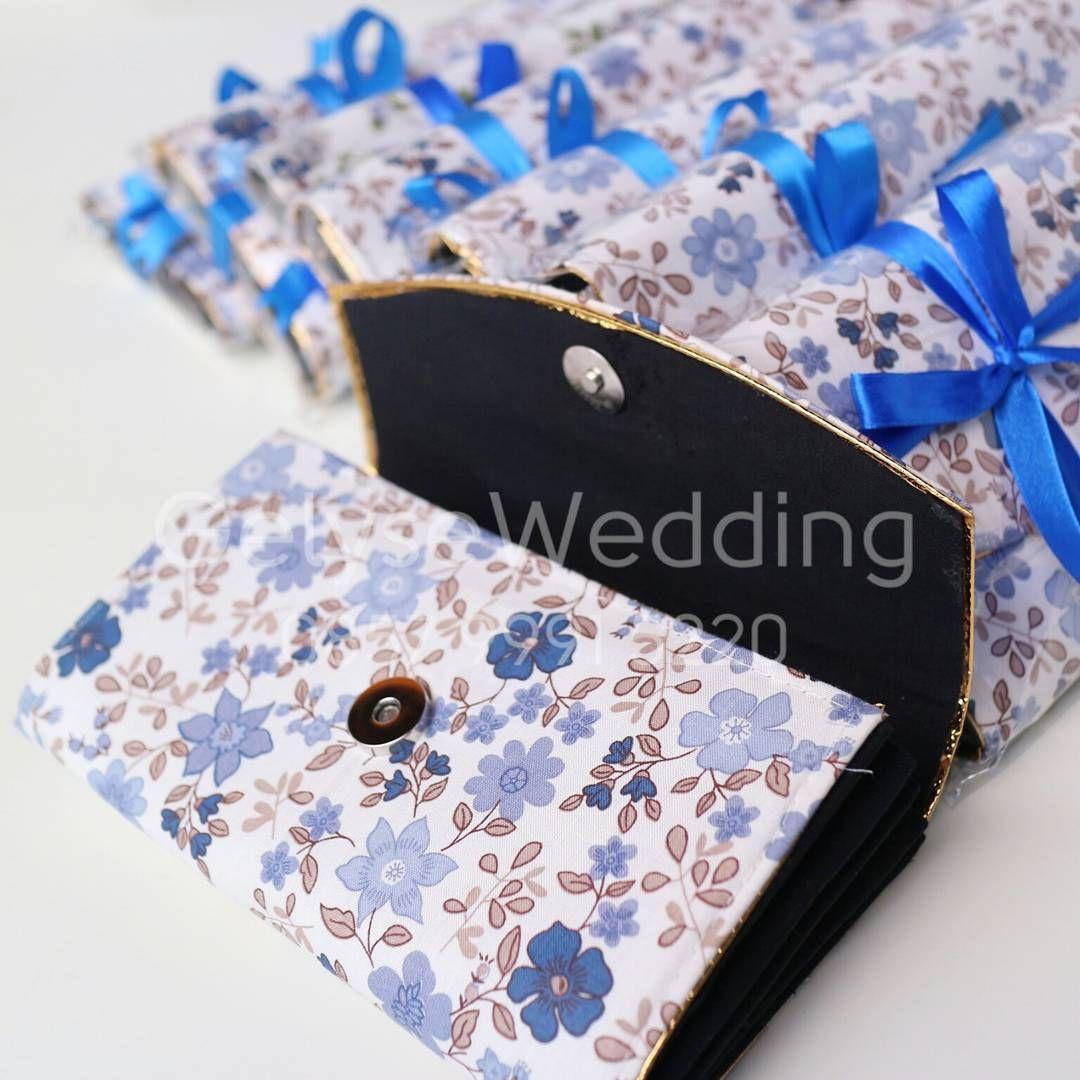 Souvenir Dompet berbahan kain katun motif bunga. Size dan
