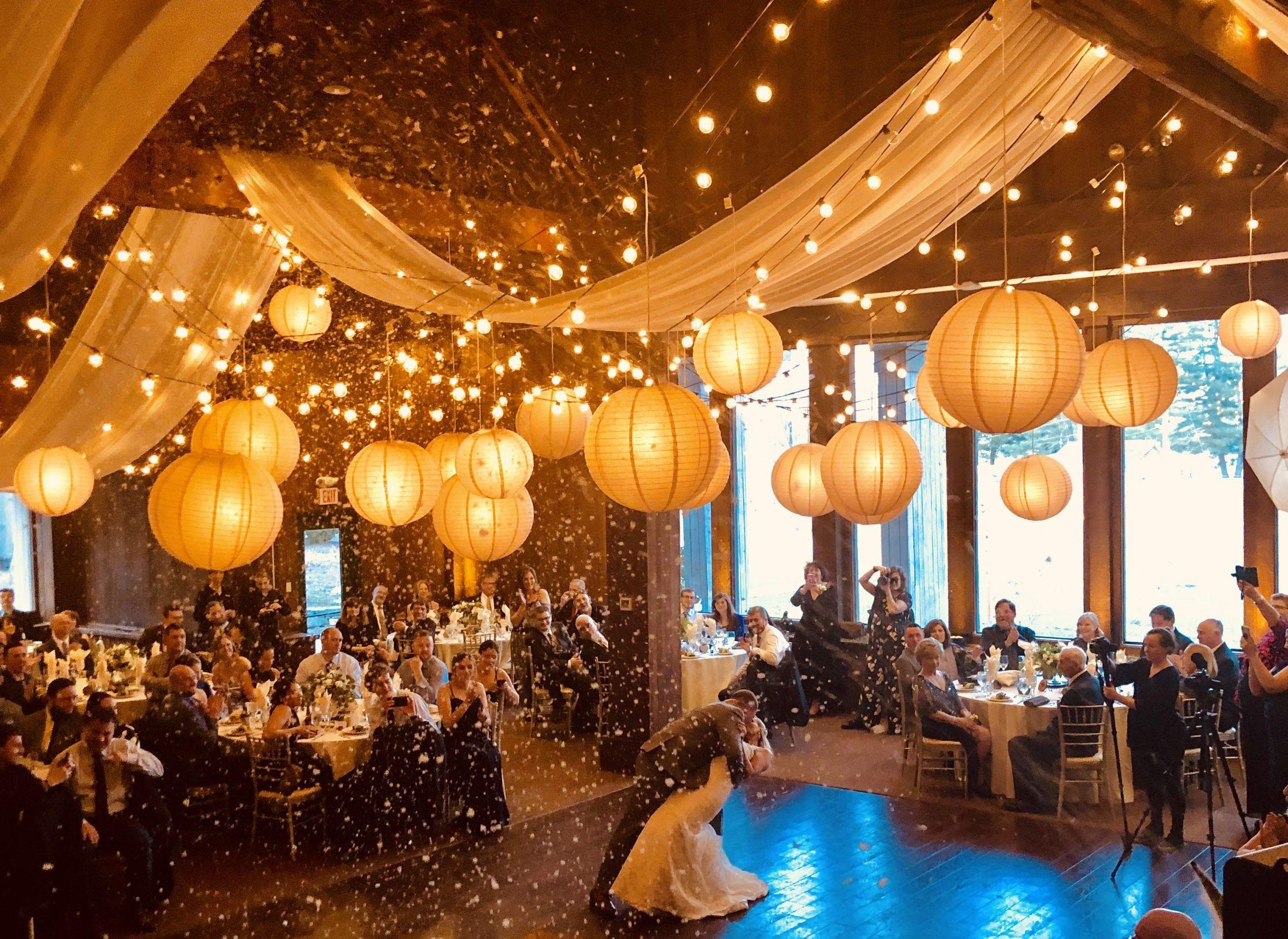 First Dance Snow - #Dance #Snow #weddingdecorationslanterns -  #letitsnow #snowing #firstdance #vividevents #bistros