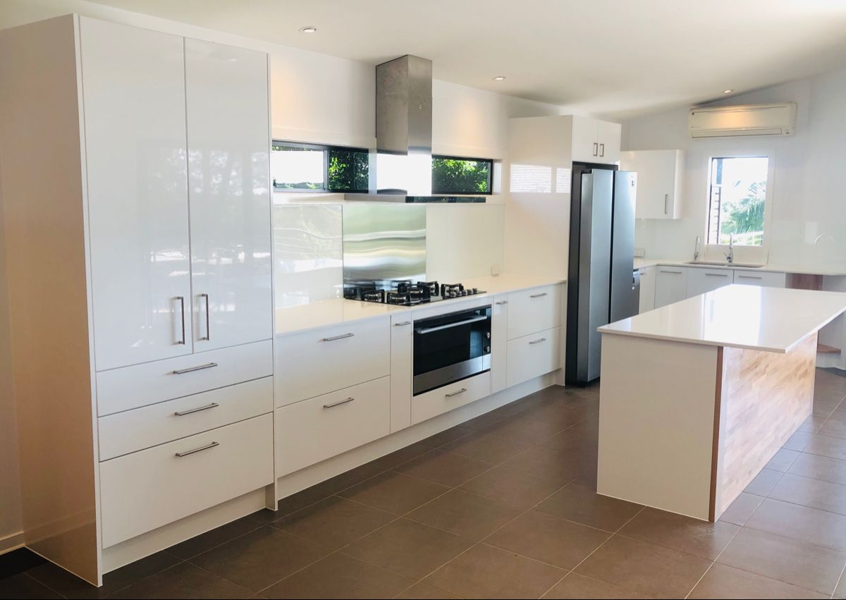 kitchen finished up today kitchen carpentry kaboodle fresh renovation great work travis kay on kaboodle kitchen bunnings drawers id=81549