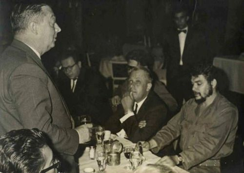"miriamelizabethworld: ""☭Comandante Che Guevara ☭ """