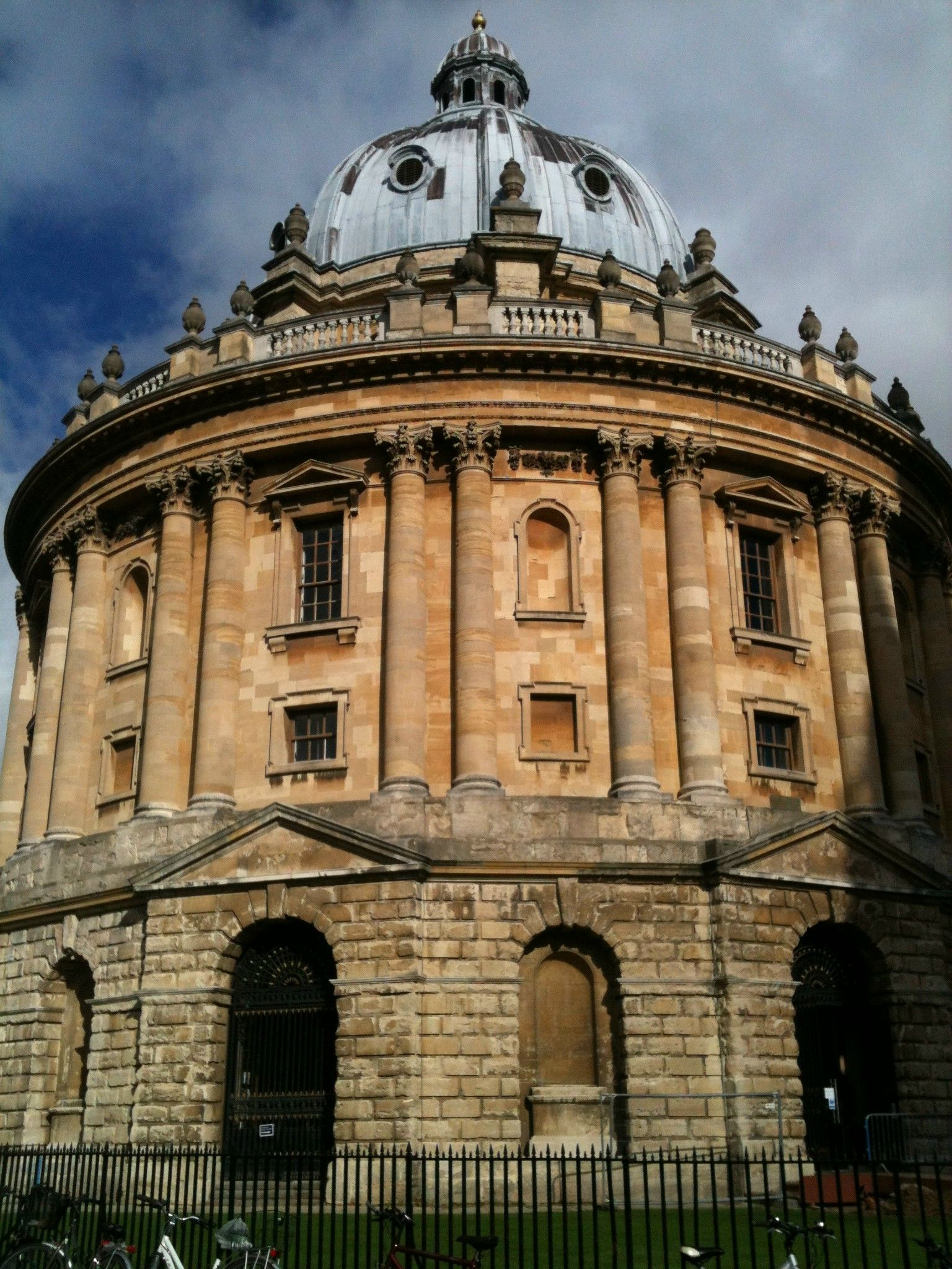 The Radcliffe Camera, Oxford by James Gibbs. English ... Modern Palladian Architecture