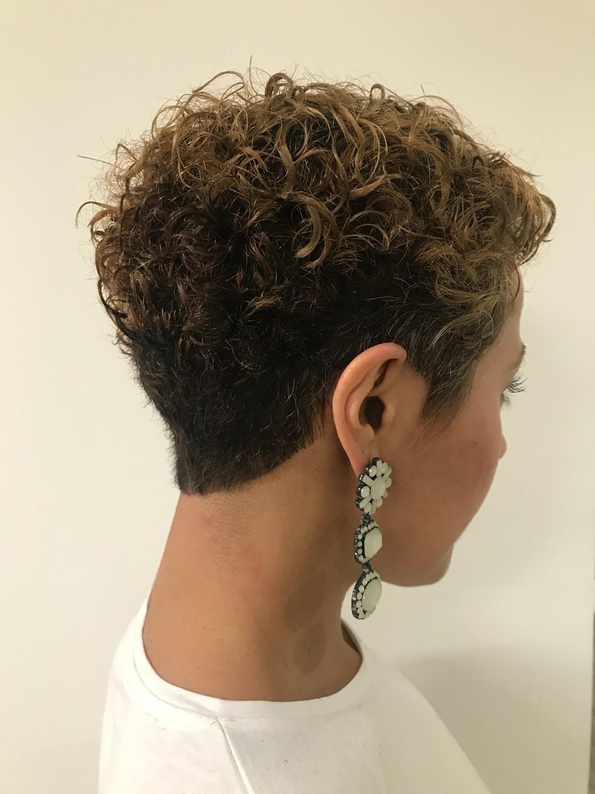 Salon de coiffure professionnel spécialiste des ch