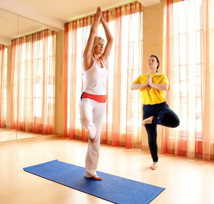 Improve Your Balance And Enjoy A Yoga Class On A Wellness Retreat