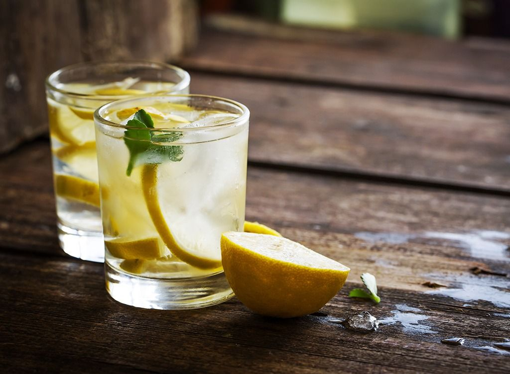 Detox Lemonade - Combine 1 ½ cups of water with 2 tablespoons of ACV, 2  tablespoons of fresh lemon juice, ¼ teaspoon cayenne pepper, and 1 teaspoon  raw ...