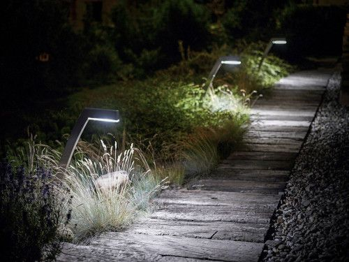 Borne d eclairage de jardin a led 57925 3777961 for Eclairage led jardin