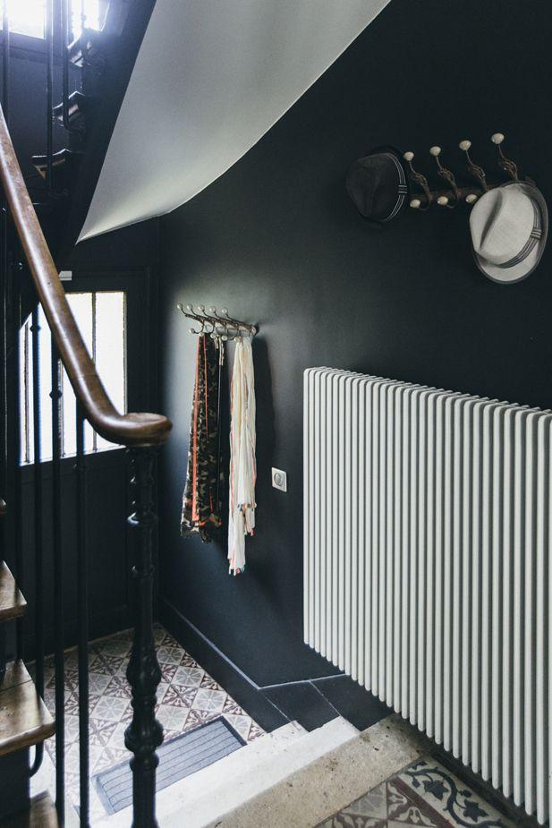 Esprit atelier dans une maison des années 20 | Hall, Interiors and ...