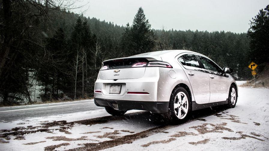 Chevrolet Volt At Snowfall Hd Wallpaper Chevrolet Volt Travel New Travel