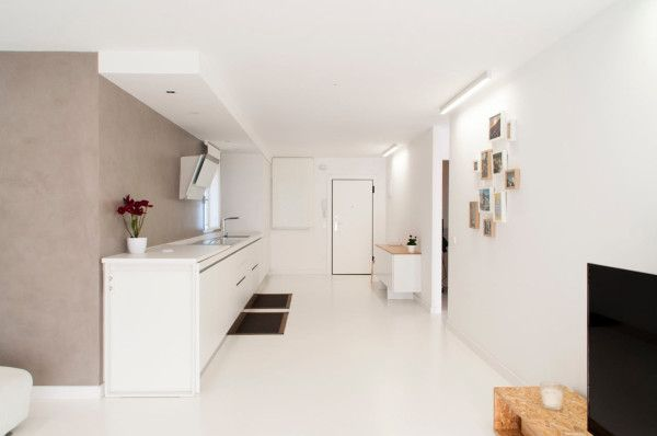 An Apartment in Valencia Gets an Airy Renovation | Apartments ...