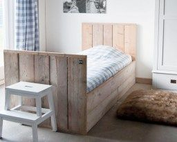 Clean and natur- bed