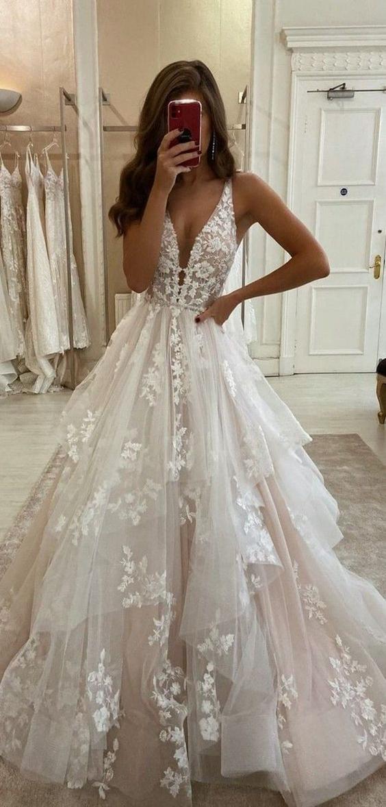 V Neck Long A Line Wedding Dresses Lace Wedding Dresses Sleeveless Wedding Dresses New In 2020 Wedding Dresses Vintage Princess Wedding Dresses Wedding Dress Trends