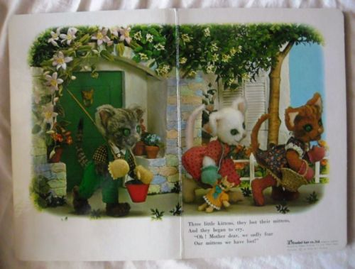 Three Little Kittens Hologram My Tiny 3d Book Series Ebay Little Kittens Right In The Childhood Vintage Books
